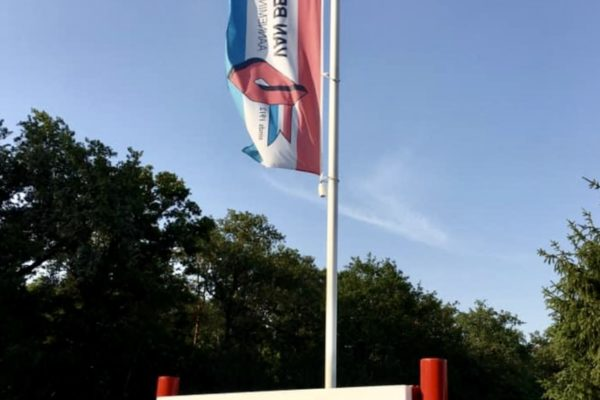 Reclamebord + vlag